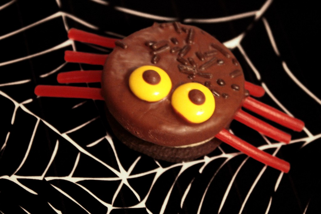 Oreo Spiders Halloween Party Food