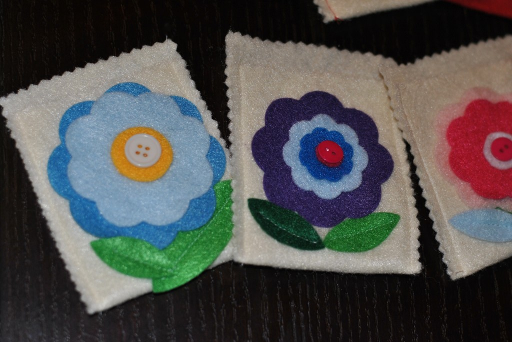 Felt flower gift card holders