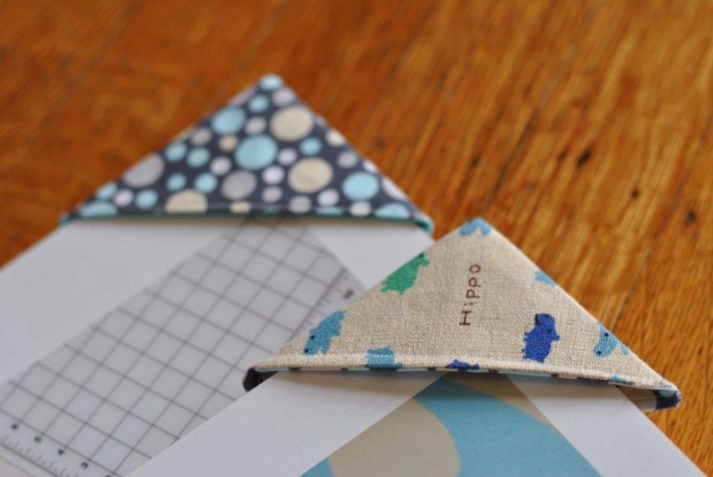 Corner Bookmarks Tutorial Fabric