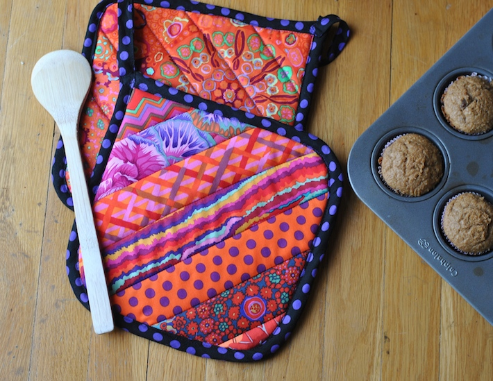 Quilt-as-you-go pot holder tutorial - Craft Buds