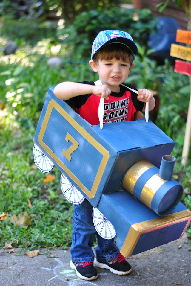 DIY train costume | Craft Buds