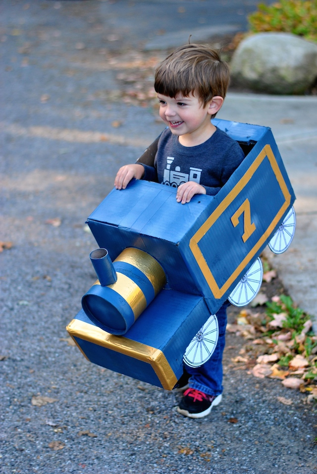 DIY Toddler Train Costume | Craft Buds