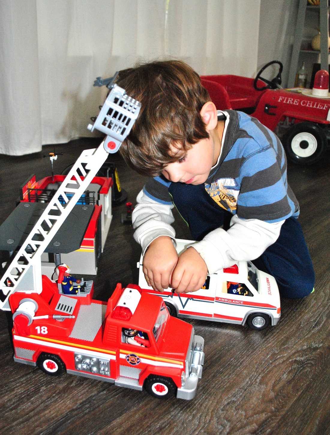Playmobil Rescue Ladder Unit and Ambulance